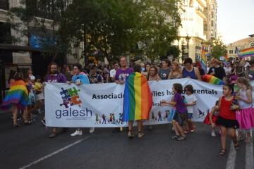 Marcha en València del Orgullo LGTBI+ para celebrar los avances y no dar ni un paso atrás en derechos (24)