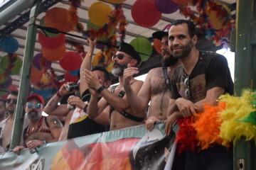 Marcha en València del Orgullo LGTBI+ para celebrar los avances y no dar ni un paso atrás en derechos (244)