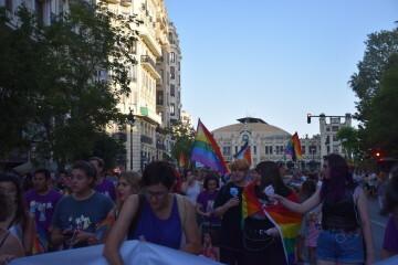 Marcha en València del Orgullo LGTBI+ para celebrar los avances y no dar ni un paso atrás en derechos (26)
