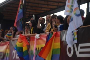 Marcha en València del Orgullo LGTBI+ para celebrar los avances y no dar ni un paso atrás en derechos (264)