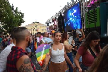 Marcha en València del Orgullo LGTBI+ para celebrar los avances y no dar ni un paso atrás en derechos (274)
