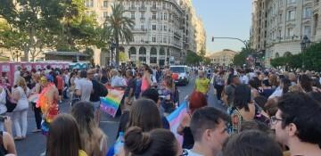 Marcha en València del Orgullo LGTBI+ para celebrar los avances y no dar ni un paso atrás en derechos (310)