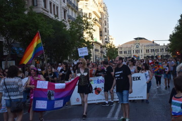 Marcha en València del Orgullo LGTBI+ para celebrar los avances y no dar ni un paso atrás en derechos (32)