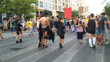 Marcha en València del Orgullo LGTBI+ para celebrar los avances y no dar ni un paso atrás en derechos (325)
