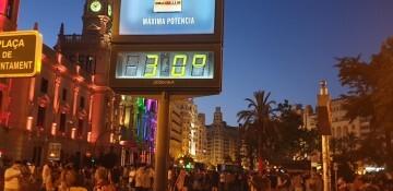 Marcha en València del Orgullo LGTBI+ para celebrar los avances y no dar ni un paso atrás en derechos (332)