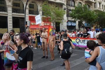Marcha en València del Orgullo LGTBI+ para celebrar los avances y no dar ni un paso atrás en derechos (36)