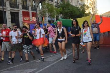 Marcha en València del Orgullo LGTBI+ para celebrar los avances y no dar ni un paso atrás en derechos (42)