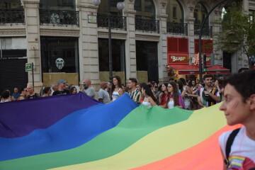 Marcha en València del Orgullo LGTBI+ para celebrar los avances y no dar ni un paso atrás en derechos (45)