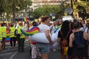 Marcha en València del Orgullo LGTBI+ para celebrar los avances y no dar ni un paso atrás en derechos (62)