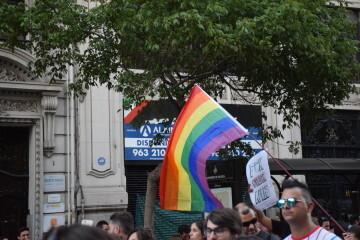 Marcha en València del Orgullo LGTBI+ para celebrar los avances y no dar ni un paso atrás en derechos (66)