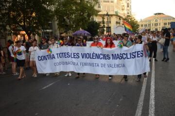 Marcha en València del Orgullo LGTBI+ para celebrar los avances y no dar ni un paso atrás en derechos (67)