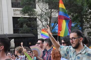 Marcha en València del Orgullo LGTBI+ para celebrar los avances y no dar ni un paso atrás en derechos (77)