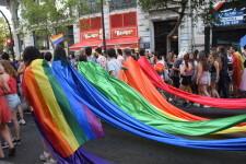 Marcha en València del Orgullo LGTBI+ para celebrar los avances y no dar ni un paso atrás en derechos (79)