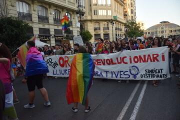 Marcha en València del Orgullo LGTBI+ para celebrar los avances y no dar ni un paso atrás en derechos (88)