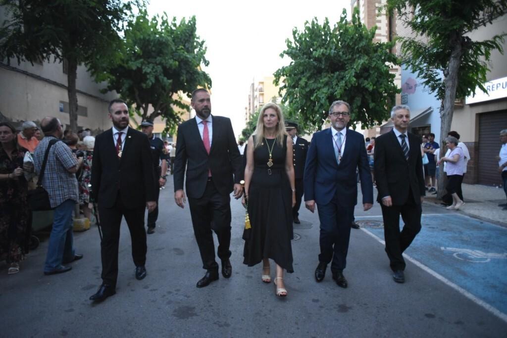Processó marítima en honor a Sant Pere, que ha eixit de l'església de Sant Pere del Grau de Castelló per a arribar a la dàrsena pesquera (2)