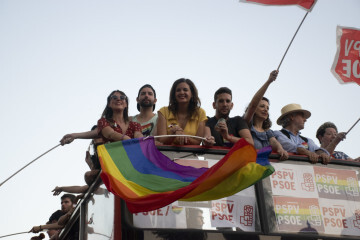 Sandra Gomez marcha del Orgullo LGTBI+ en Valencia_5 (3)