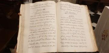 Un libro da brillo al papel heroico del sacerdote que salvó el Santo Cáliz de València de las tropas napoleónicas (4)