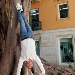 Toni Cantó: El yoga me va muy bien para trabajar el equilibrio y la paciencia