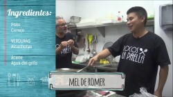 Locos x la paella con el chino paellero realizando una receta de paella Valenciana