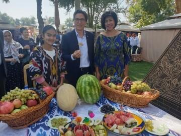 José María Chiquillo, participa en el Primer Festival Internacional de Artesanía que se celebra en la Ciudad de Kokand (6)