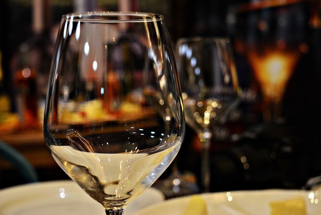 glass-4381307_1280
