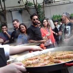 El cocinero Eduardo Gómez gana el concurso de Fideuà de Gandia en Shanghái