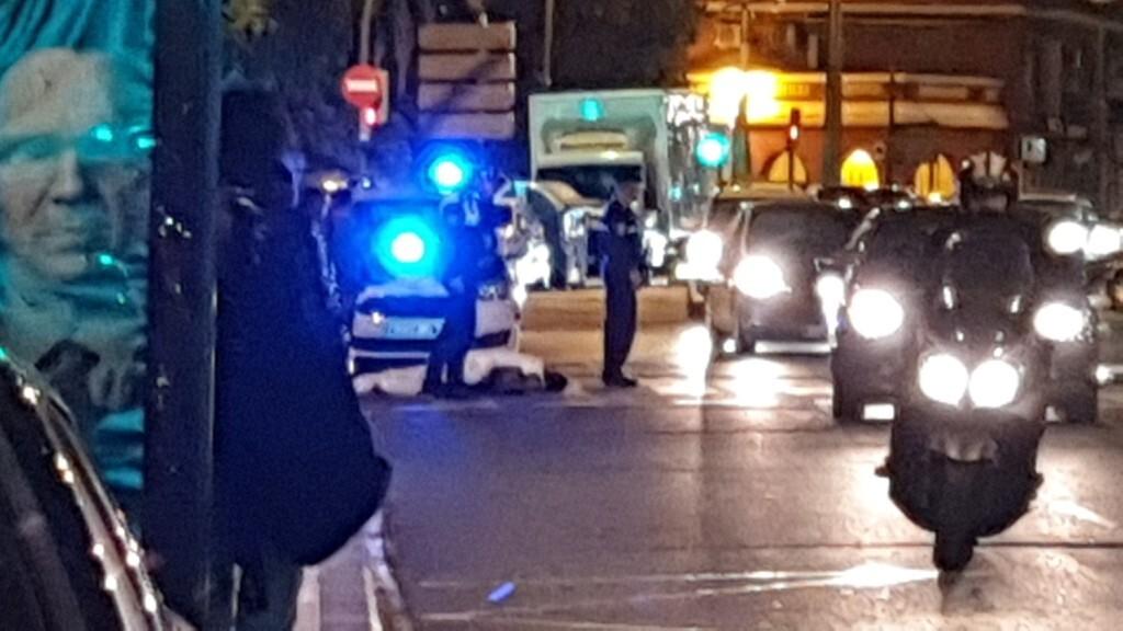 Un conductor atropella a un ciclista en la Avenida Constitución de Valencia 20191025_074132 (13)