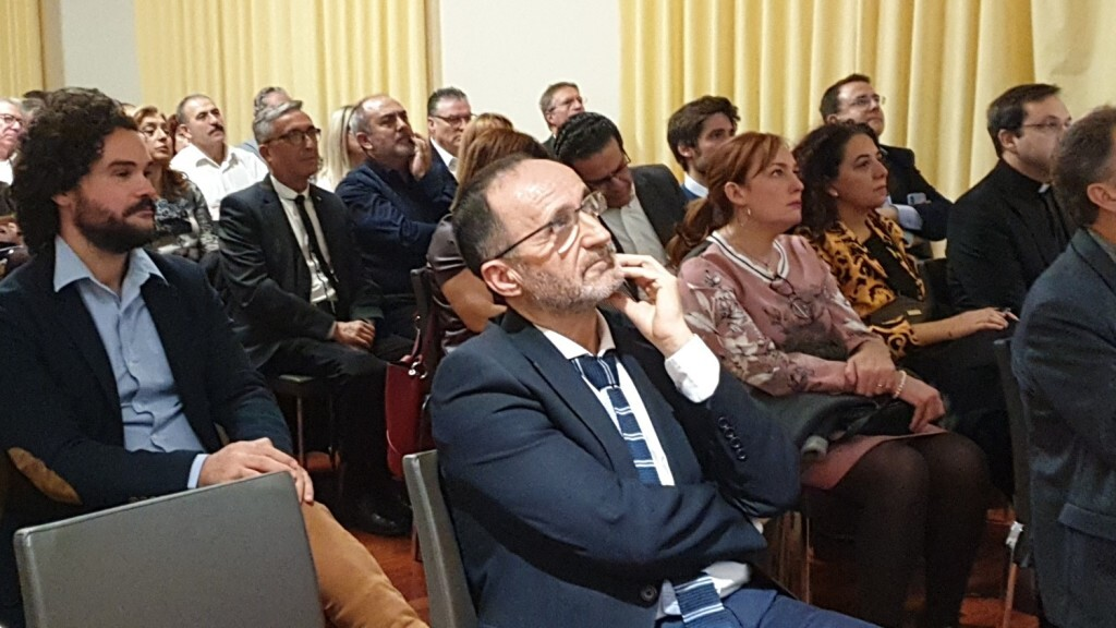 Presentación del consorcio europeo del Camino del Santo Grial en el Ateneo de Valencia 20191128_195647 (1)