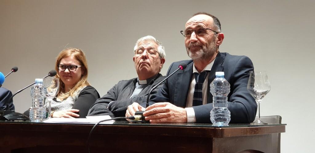 Presentación del consorcio europeo del Camino del Santo Grial en el Ateneo de Valencia 20191128_195647 (2)