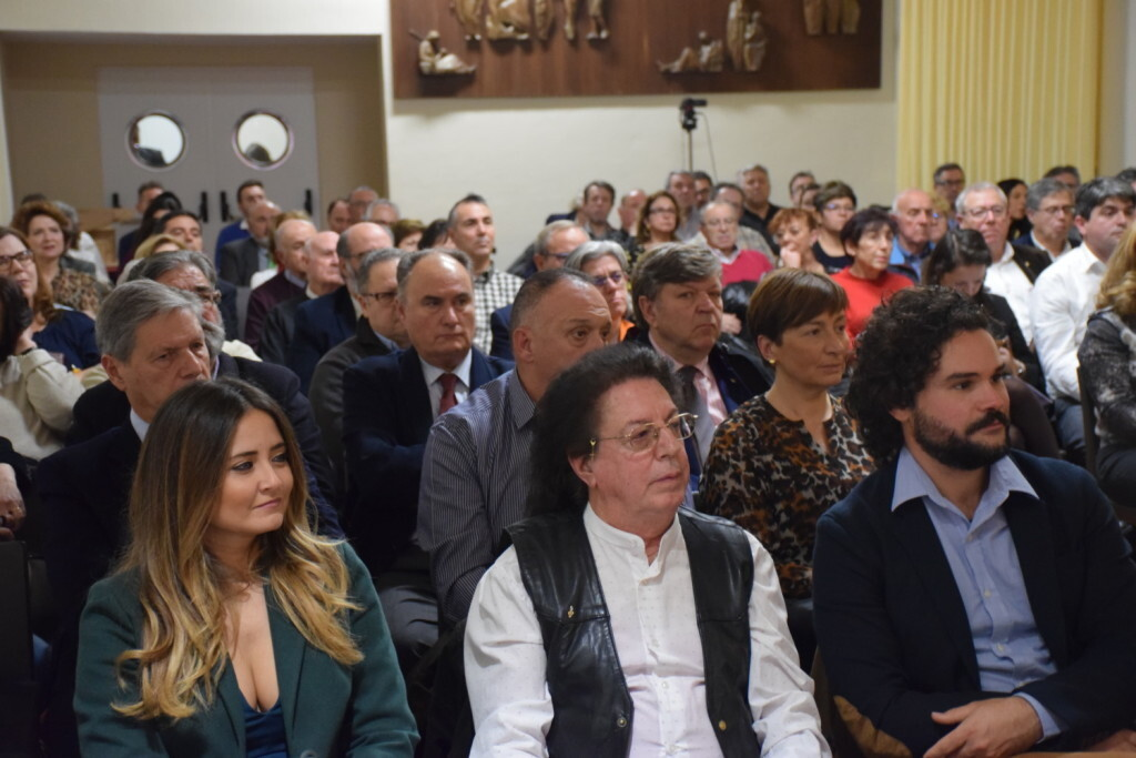Presentación del consorcio europeo del Camino del Santo Grial en el Ateneo de Valencia 20191128_195647 (9)