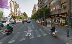 166 Avinguda de Peris i Valero - Google Maps