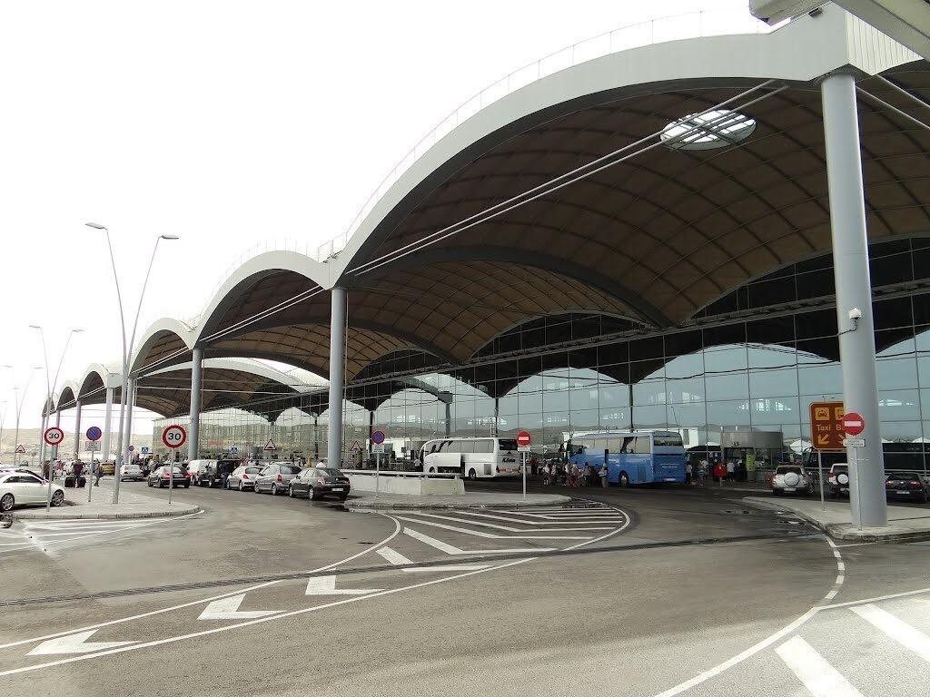 Aeropuerto-de-Alicante-1024x768