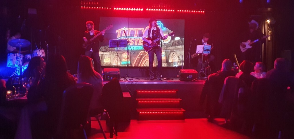 Dinner Show, en Casino Cirsa Valencia Kill Bill Bang Band 20191206_220901 (23)