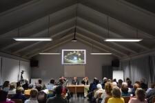 conferencia de la epigrafía del Santo Cáliz y la exposición del Santo Grial en Massamagrell 20191213_195218 (30)