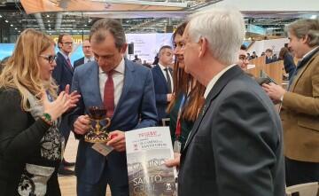 El ministro Pedro Duque recibe información