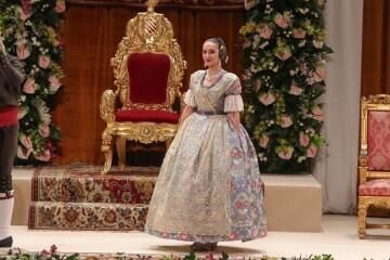 La exaltación de Consuelo Llobell Frasquet Fallera mayor de Valencia en imágenes 2020 (31)