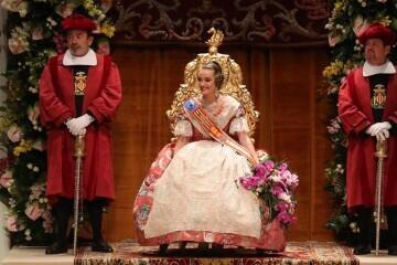 La exaltación de Consuelo Llobell Frasquet Fallera mayor de Valencia en imágenes 2020 (4)