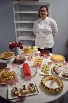 Las alumnas de segundo del Ciclo Medio de Pastelería de Altaviana presentan sus proyectos finales (27)