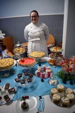 Las alumnas de segundo del Ciclo Medio de Pastelería de Altaviana presentan sus proyectos finales (28)