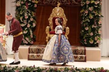 Momentos mágicos de la exaltación de la Fallera Mayor Infantil de Valencia Carla García (12)