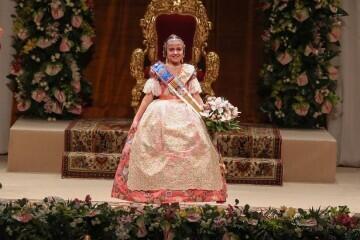 Momentos mágicos de la exaltación de la Fallera Mayor Infantil de Valencia Carla García (21)