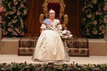 Momentos mágicos de la exaltación de la Fallera Mayor Infantil de Valencia Carla García (22)