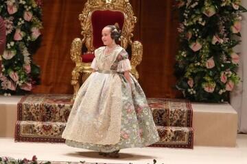 Momentos mágicos de la exaltación de la Fallera Mayor Infantil de Valencia Carla García (23)