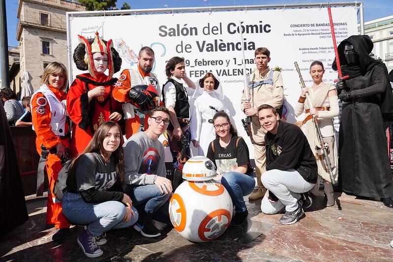 Las mejores BSO de superhéroes suenan en la Plaza de la Virgen de València en la antesala la próxima semana del Salón del Cómic en Feria Valencia (1)