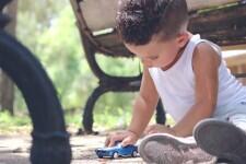car_toy_childhood_child_boy_fun_kid_vehicle-552939.jpg!d