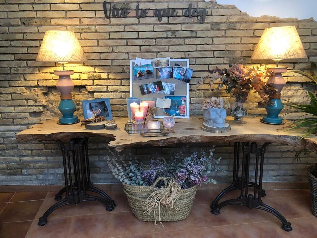 Altar para el último Adiós con recuerdos de la persona que se va