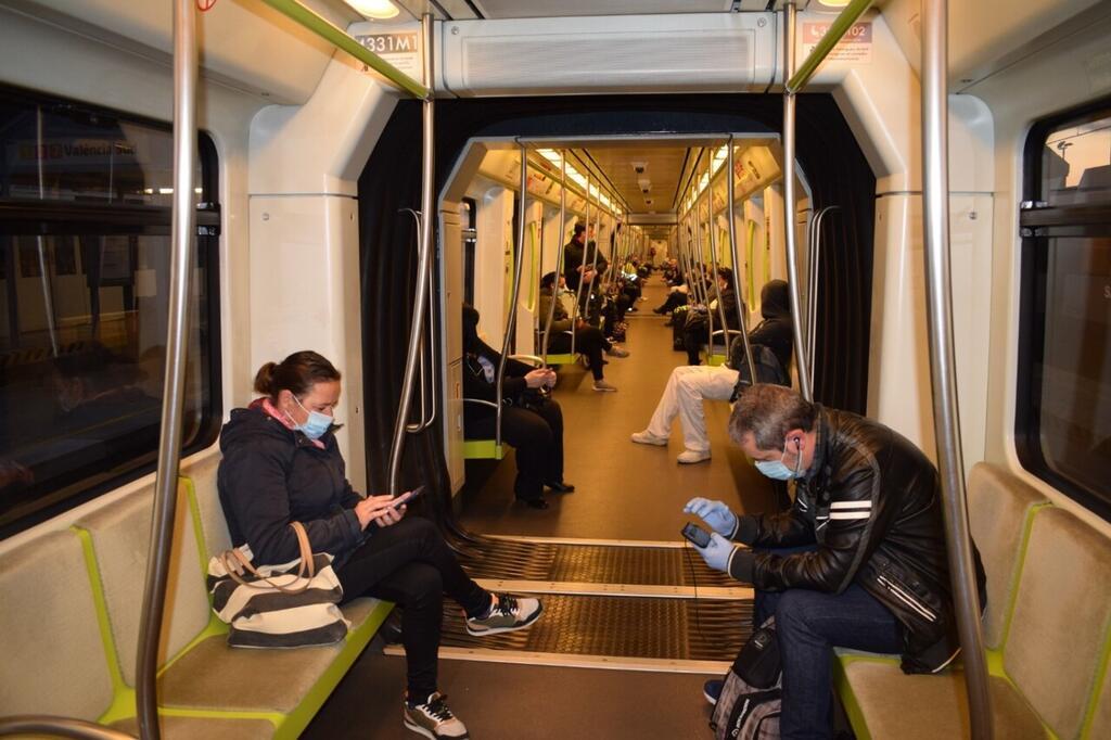 200503_FOTO_mascarillas_transporte_publico metro