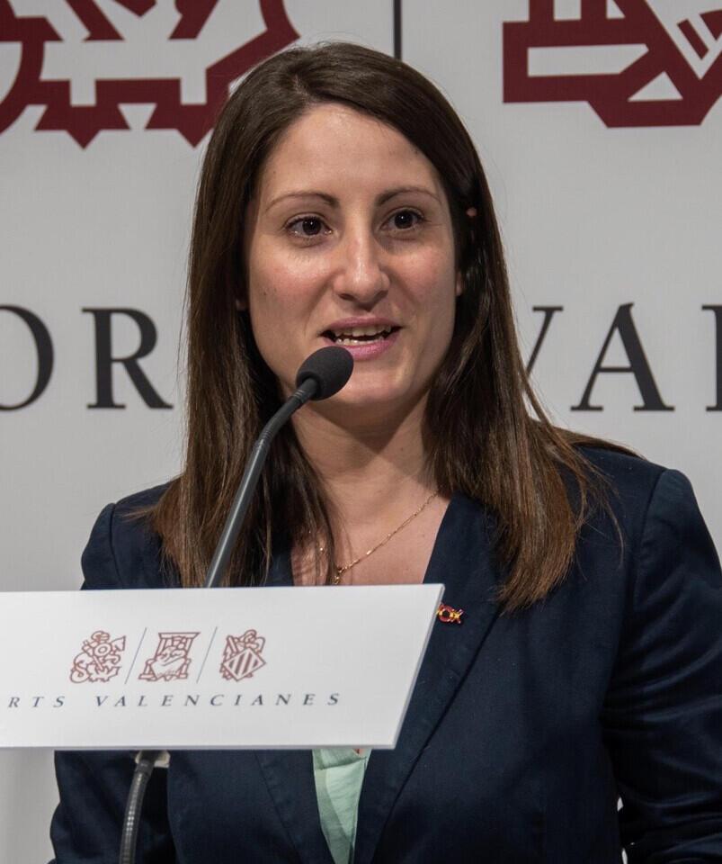 Ana Vega (VOX) critica que los hospitales de campaña de Ximo Puig son carpas de feria que no pueden albergar enfermos
