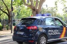 Detenido un hombre en València por reunirse a beber en un parque y desobedecer las indicaciones de los policías