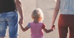 La ampliación de los permisos por paternidad a 8 semanas entra en vigor este lunes  El gasto en prestaciones de paternidad crece un 15,22% en Castilla-La Mancha en 2018 tras ampliarse el permiso    (Foto de ARCHIVO)  14/09/2016